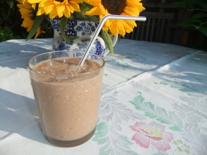 Chocolate & pear smoothie (or thickie)