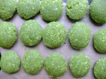 Raw green tea macaroons